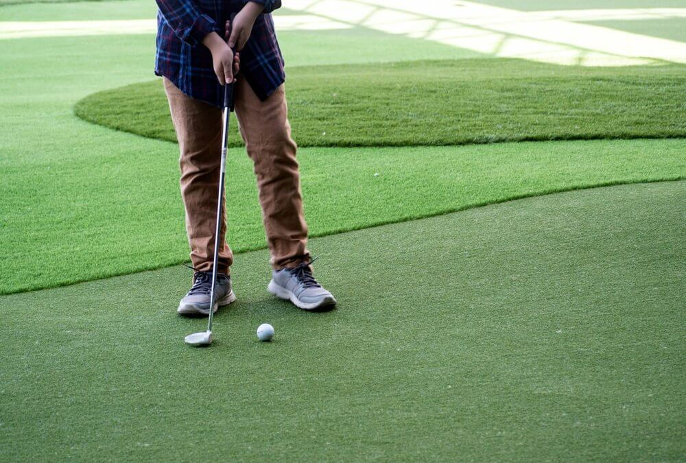Benefits of Tampa Synthetic Grass for Putting Greens